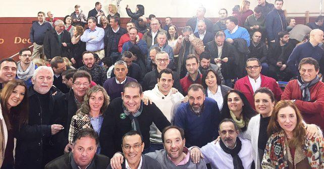 Caraballo, en primera línea, junto a compañeros socialistas en el acto celebrado en Madrid