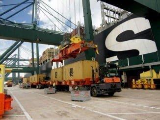 Fomento cree que además la liberalización supone reducción de los costes de la estiba y un aumento de competitividad de los puertos
