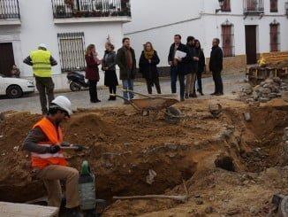 La diputada de Infraestructura, acompañada del alcalde, visita diversas obras del PFEA en Bollullos