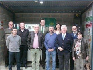 El presidente de Caja Rural del Sur y su Fundación junto al alcalde de Berrocal y directivos de la Cooperativa Corchera de San José asistió a la inauguración de la nueva gasolinera.