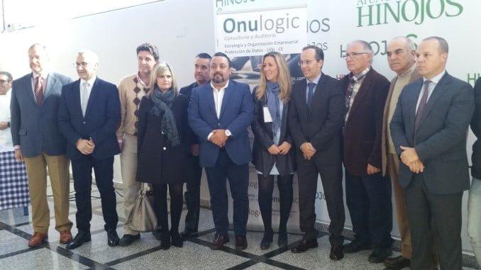 El presidente de la FOE y el de Diputación, en el Encuentro empresarial en Hinojos