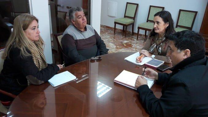 Grávalos ha recibido a Rosa Parrilla, la presidenta de la Asociación de Usuarios de la Sanidad Pública de Huelva