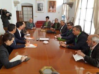 Responsables de FLACEMA han explicado a Ciudadanos el proceso de fabricación sostenible del cemento y la situación crítica del sector