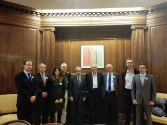 Representantes de ALAS (Alianza para una Agricultura Sostenible) se reunieron ayer con el presidente de la Comisión de Agricultura, Alimentación y Medio Ambiente del Congreso de los Diputados, José Ignacio Llorens