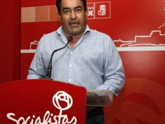 Antonio Escudero, del PSOE de Cartaya, en rueda de prensa