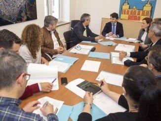 Reunión de la Mesa del Comercio en Huelva