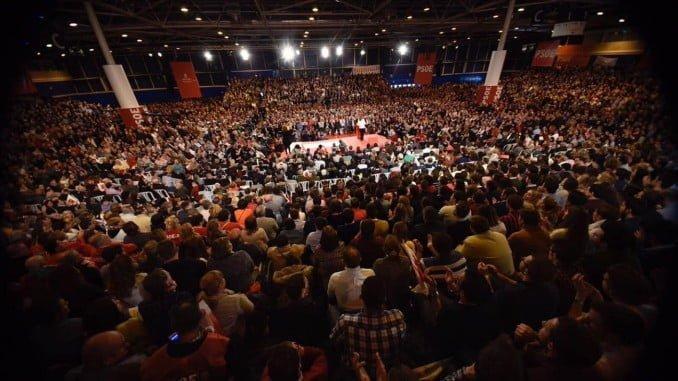 Susana Díaz ha anunciado su candidatura rodeada de más de 6.000 militantes y simpatizantes