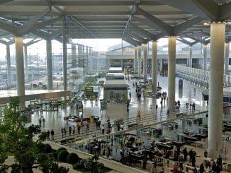 El Gobierno mantendrá el descuento del 50% en el billete aéreo para los residentes no peninsulares