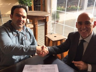 Alberto Flaño y Federico Pérez tras firmar el convenio