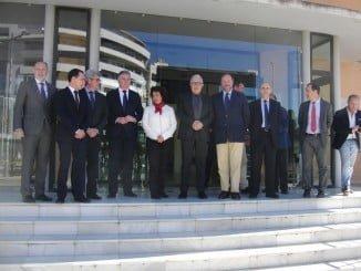 Sánchez Maldonado junto al presidente de la FOE y otras autoridades en su visita a la capital onubense