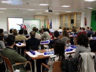 Extenda ha celebrado en su sede un seminario sobre el aceite de oliva en el mercado internacional