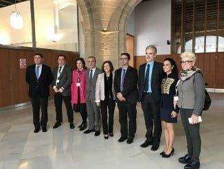 Aquilino Alonso y María José Sánchez Rubio participan en la clausura del acto celebrado por FEDER en el Parlamento andaluz con motivo del Día Mundial de las enfermedades raras