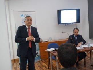 El director de Emasesa explica las medidas adecuadas para evitar la responsabilidad penal en la empresa