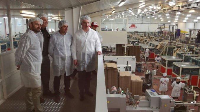 Los delegados del Gobierno y de Agricultura visitan las instalaciones de Fresón de Palos