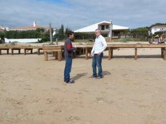 Fran Martínez Seoane visitando la playa de El Portil