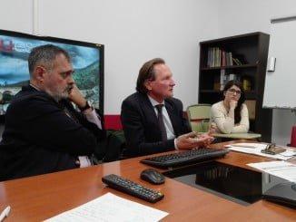 Intervención del profesor Duve en la Universidad de Huelva, en el marco de un programa de doctorado