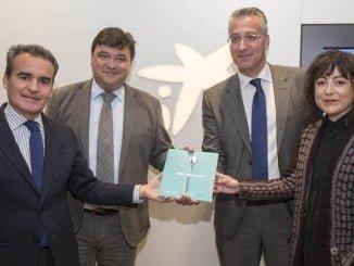 El alcalde y el director territorial de CaixaBank presentan la guía de Mise Place