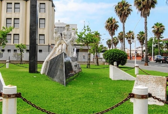 Monumento al Marinero, en Isla