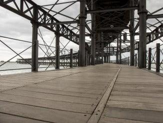 El Muelle del Tinto es uno de los mayores atractivos patrimoniales y turísticos de la ciudad