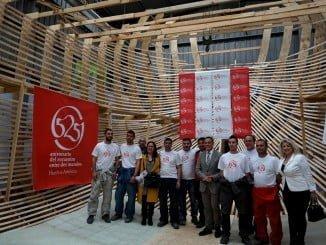 Caraballo ha visitado los trabajos de la construcción de la Nao Santa María