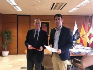 El diputado de Deportes de Huelva y el consejero de Deportes del Cabildo de La Gomera