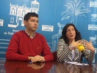 El alcalde de Valverde junto a la senadora Loles López