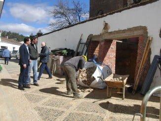 Obras de acondicionamiento en el recinto del mercadillo de Santa Ana la Real