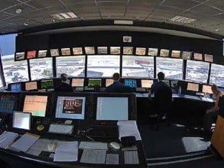 El interior de la torre de control