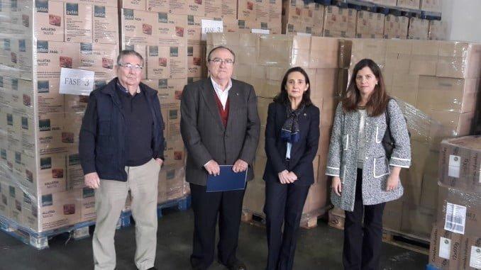 La subdelegada visita el centro de almacenaje y distribución del Banco de Alimentos de Huelva