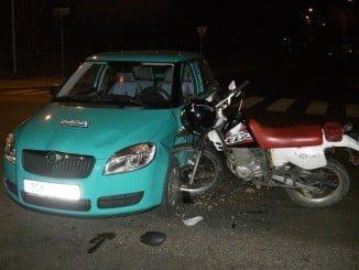 El accidente se ha producido por una colisión entre un turismo y una motocicleta