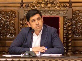 Alberto Fernández ha defendido el presupuesto que el Ayuntamiento debatirá en el pleno