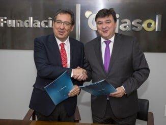 El presidente de la Fundación Cajasol y el alcalde firman un convenio en materia cultural