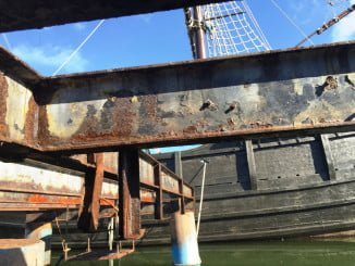 Se han percibido daños por corrosión de las vigas de acero que pueden degenerar en daños mayores