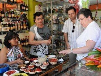 El programa busca sensibilizar a las mujeres y su entorno hacia el autoempleo
