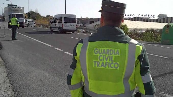 El control ha sido realizado por la Agrupación de la Guardia Civil de Tráfico y por policías locales