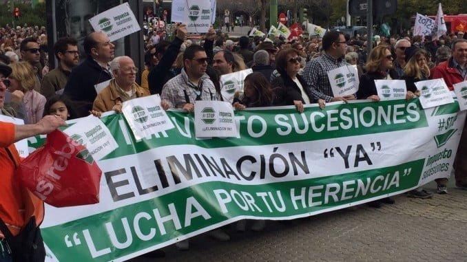 Manifestación en Sevilla contra el Impuesto de Sucesiones