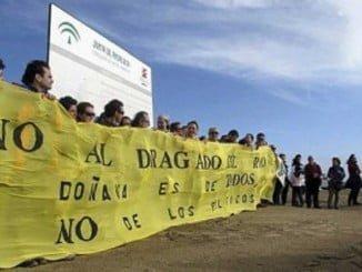 Diferentes colectivos ya protestaron en su día contra el proyecto de dragado del río