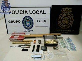 Incautados más de 55 gramos de cocaína preparada para su venta, utensilios para su preparación y dinero