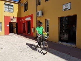 Los repartidores de Koiki hacen la entrega a pie o en bicicleta