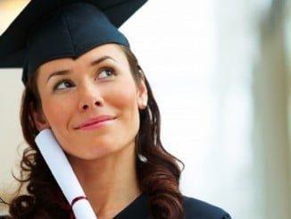 En Andalucía hay 131.400 mujeres sin empleo (22,7%) que tienen educación universitaria