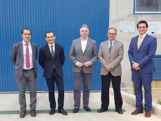 El delegado del Gobierno de la junta en Huelva y el delegado de Economía visitan Algry Química