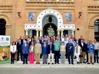 Directivos de Caja Rural del Sur y San Telmo junto a los integrantes del Curso de Gestores de Cooperativas