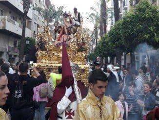 Nuestra Padre Jesús de las Cadenas, más conocido como la Hermandad de los 'Judios', enfilando la calle San José.