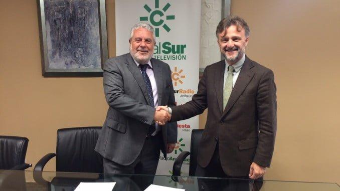 José Fiscal junto al subdirector general de la Agencia Pública Empresarial de RTVA, Joaquín Durán