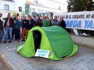 Los afectados dicen que mantendrán la acampada hasta que se solucione el problema