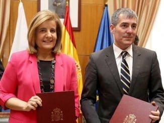 La ministra de Empleo ha firmado un convenio sobre Inspección de Traba¡jo con el presidente de Canarias