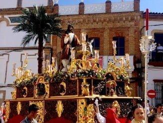 Valverde del Camino disfruta del Domingo de Ramos con 'La Borruquita'