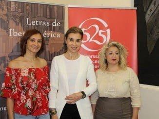 Carmen Posadas junto a Lucía Vallellano y Lourdes Garrido