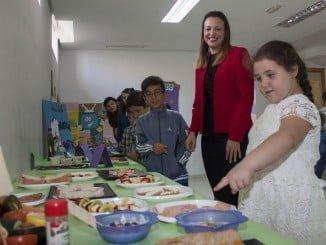 La concejala de Participación Ciudadana en la exposición del Centro Social de La Morana
