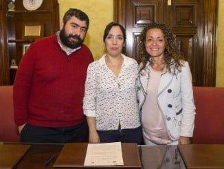Alicia Narciso y responsables de la Fundación Proyecto Don Bosco tras la firma del convenio